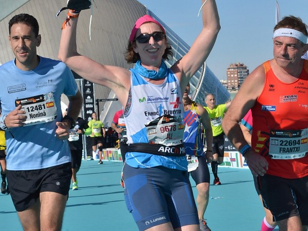 Araceli Chornet completa la Maratón de Valencia con las FBR Noa